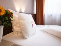 Dreibettzimmer, Quelle: (c) PHÖNIX Hotel