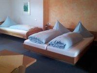 Dreibettzimmer, Quelle: (c) Gaststätte Berghofstüble