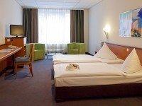 Dreibettzimmer, Quelle: (c) Center Hotel Alte Spinnerei Burgstädt