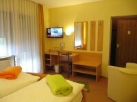 Dreibettzimmer, Quelle: (c) Flair Hotel & Gasthof am Selteltor