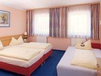 Dreibettzimmer, Quelle: (c) Hotel Nummerhof