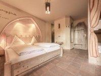 Dreibettzimmer, Quelle: (c) Mittelalterliches Hotel Arthus