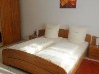 Dreibettzimmer, Quelle: (c) Hotel Gasthof  Zur Krone