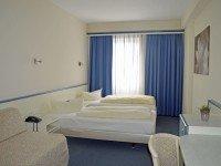 Dreibettzimmer, Quelle: (c) Parkhotel Schotten
