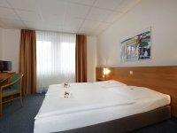 Dreibettzimmer, Quelle: (c) Center-Hotel Kaiserhof