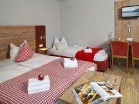Dreibettzimmer, Quelle: (c) Hotel & Restaurant Alpenglück