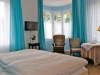 Dreibettzimmer, Quelle: (c) Hotel Markgräfler Hof Badenweiler