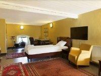 Dreibettzimmer, Quelle: (c) Schlosshotel Wiechlice