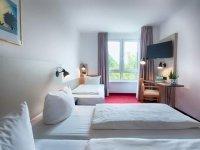Dreibettzimmer Business, Quelle: (c) ACHAT Comfort Messe-Chemnitz