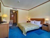 Dreibettzimmer im Haupthaus, Quelle: (c) Hotel Gasthaus Zum Schwan