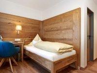 Einzelzimmer mit Balkon , Quelle: (c) Hotel - Gasthof zur Rose