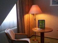 Einzelzimmer mit Balkon, Quelle: (c) Hotel Orbtal