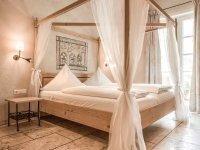 Familien-Themenzimmer Ambrosius mit Himmelbett, Quelle: (c) Mittelalterliches Hotel Arthus