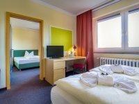 Familien-Zimmer im Nebengebäude, Quelle: (c) Hotel Schloss Nebra