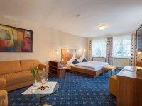 First Class Zimmer II mit Massage Dusche, Quelle: (c) Hotel Restaurant Schloss Döttingen