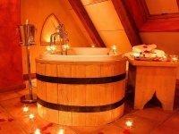 Junior Suite mit freistehender Badewanne, Quelle: (c) Mittelalterliches Hotel Arthus