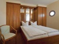 Komfort-Doppelzimmer, Quelle: (c) Johannesbad Fachklinik, Gesundheits- & Rehazentrum Saarschleife