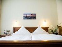 Komfort-Doppelzimmer, Quelle: (c) Hotel Ostfriesen-Hof