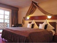 Komfort-Doppelzimmer mit Aufbettung, Quelle: (c) Schlosshotel Landstuhl