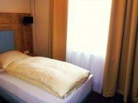 Komfortables Einzelzimmer, Quelle: (c) Nordseehotel Wilhelmshaven