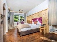 Modernes Zirben Familienzimmer mit Balkon, Quelle: (c) Hotel Talblick