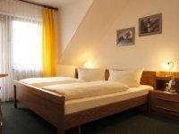 Standard Doppelzimmer im Gästehaus, Quelle: (c) Moselstern***Hotel Weinhaus Fuhrmann