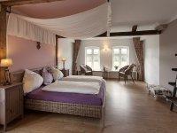 Suite Turmzimmer Rosewood, Quelle: (c) Landhotel Rosenduft