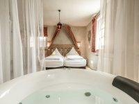 Suite mit Whirlpool, Quelle: (c) Mittelalterliches Hotel Arthus