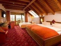 Dreibettzimmer Superior ZweiTälerLand, Quelle: (c) Schwarzwald-Hotel Silberkönig Ringhotel Bleibach