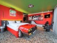V8 Themenzimmer, Quelle: (c) V8 Hotel MOTORWORLD Region Stuttgart